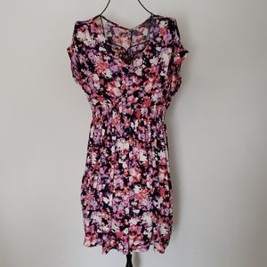 NWOT Pink and purple Daisy Fuentes Floral Tunic